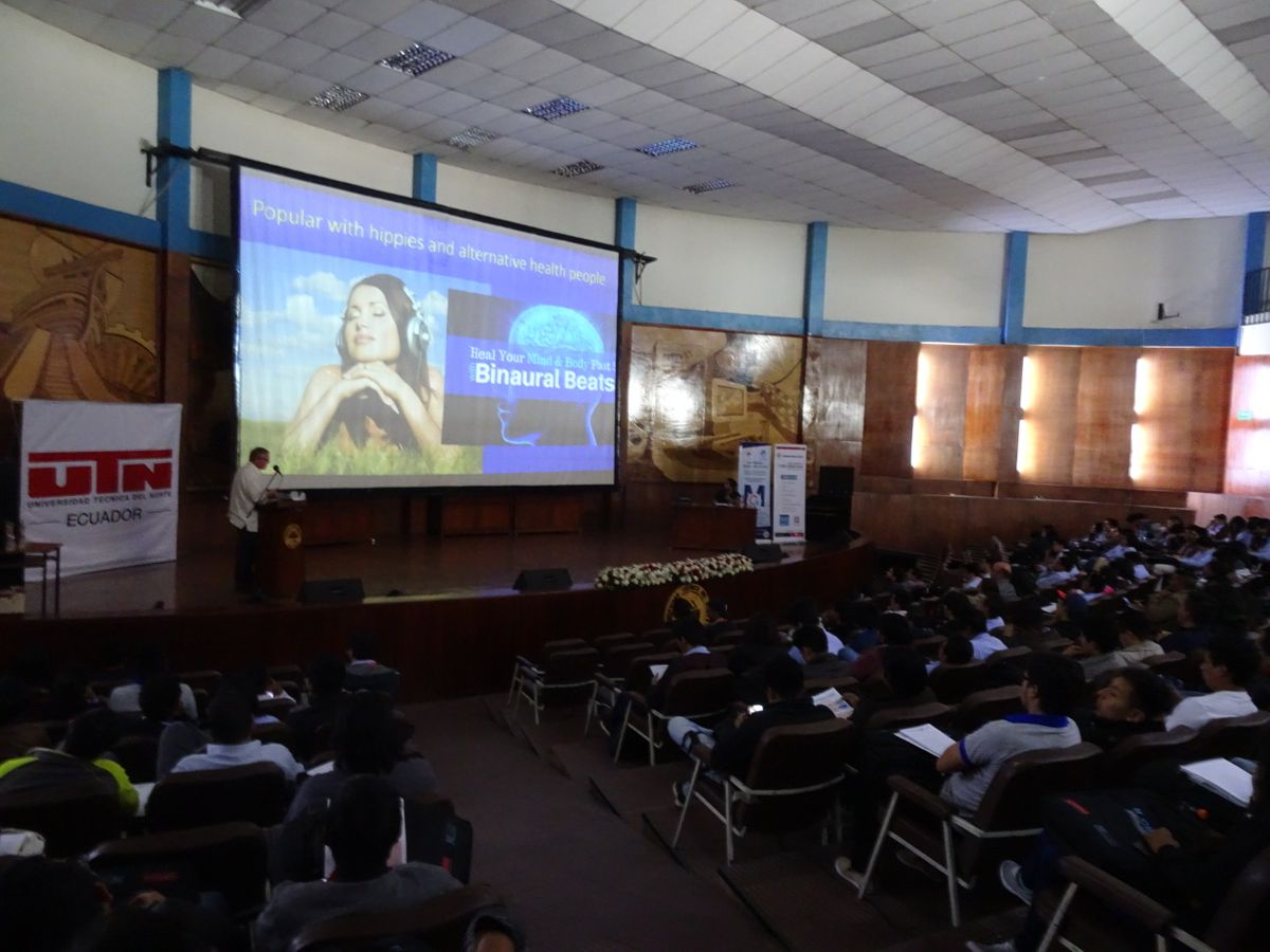 Giving the magistral presentation at Segundo Congreso Internacional de Bioingeniería y Sistemas Inteligentes de Rehabilitación, Ibarra, Ecuador,2018